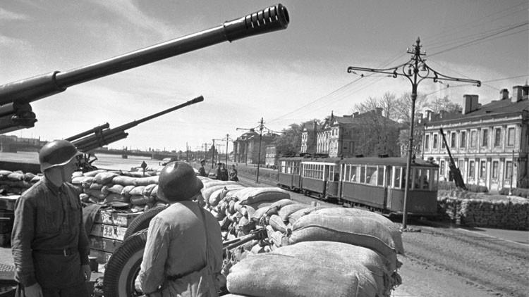 بطرسبورغ (لينينغراد) تحيي الذكرى الـ 71  لفك الحصار