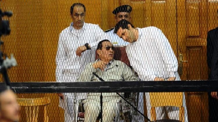 مصر.. جمال وعلاء مبارك يغادران السجن