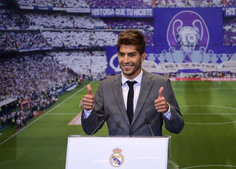 ريال مدريد يقدم لاعبه الجديد البرازيلي سيلفا للصحافة