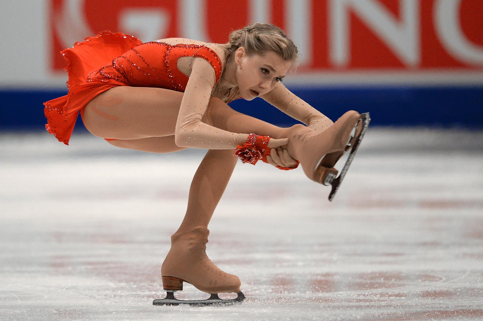 بالصور .. روسيا تحتكر منصة التتويج في بطولة أوروبا للتزحلق الفني على الجليد