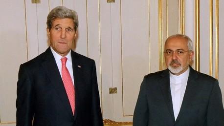 وزير الخارجية الإيراني محمد جواد ظريف ووزير الخارجية الأمريكي جون كيري