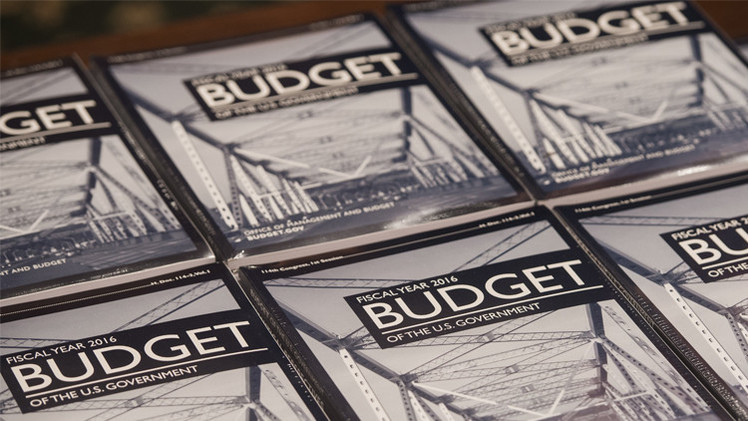 أوباما يقترح موازنة مثيرة للجدل بقيمة 3.99 تريليون دولار