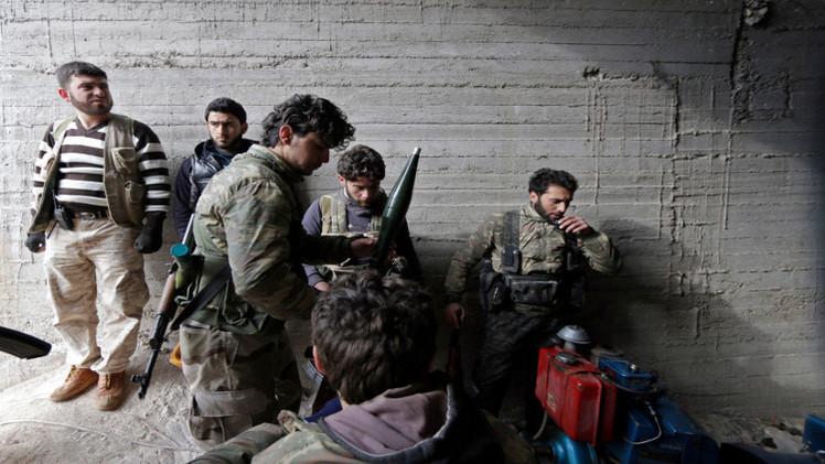مسلحون من المعارضة السورية يقولون إنهم يحتجزون مقاتلا إيرانيا