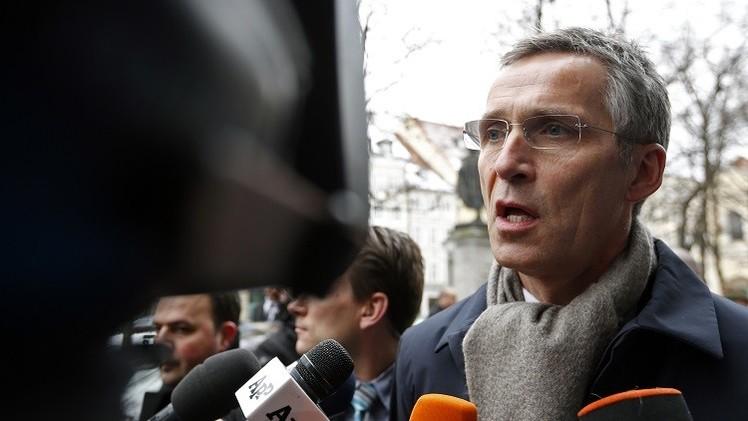 الناتو يعلن دعمه الكامل لجهود هولاند وميركل للتسوية في أوكرانيا