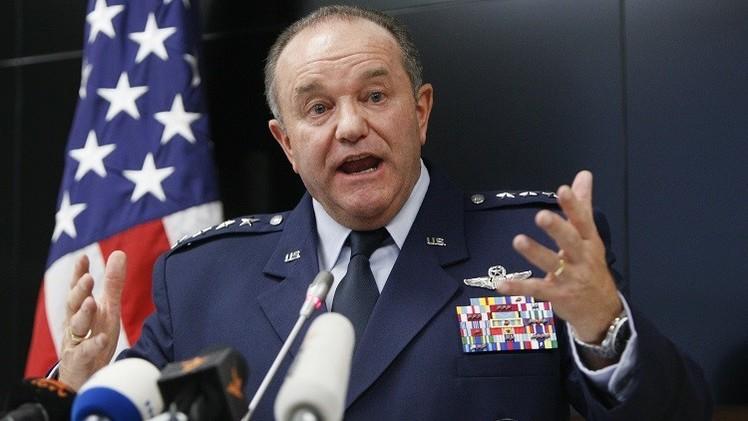 القائد الأعلى لقوات الناتو يدعو الغرب إلى عدم استبعاد تزويد أوكرانيا بالأسلحة
