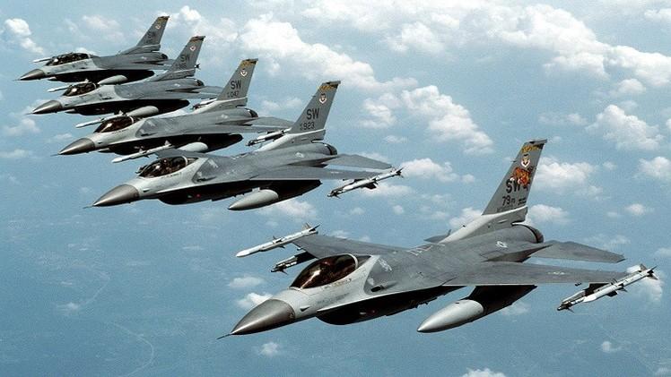 طائرات إف-16 إماراتية تتمركز في الأردن لضرب