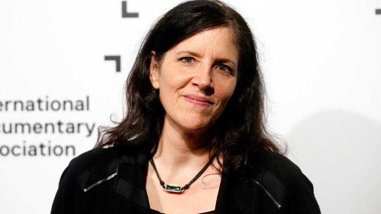 مخرجة فيلم وثائقي عن سنودن تنال جائزة جمعية المخرجين الأمريكيين