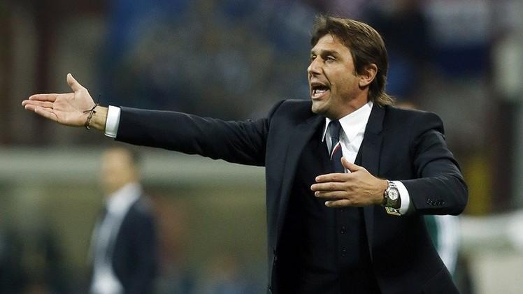 مدرب إيطاليا كونتي بعصبيته المعهودة ينفي خبر نيته الاستقالة