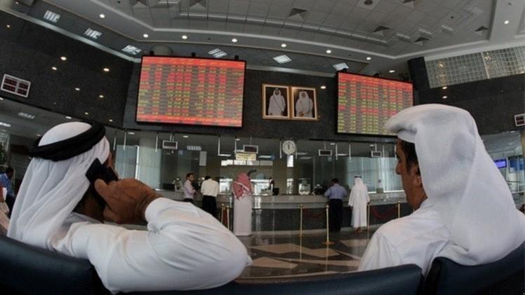 البورصات الخليجية تتراجع بعد خفض تصنيفات ائتمانية