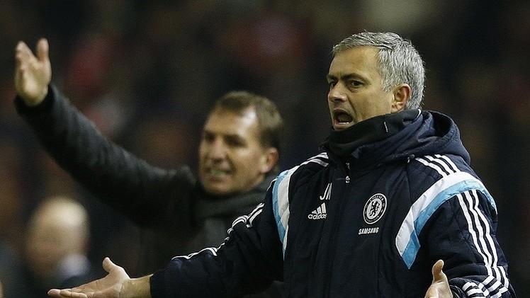 مورينيو غير مطمئن رغم فارق السبع نقاط عن مانشستر سيتي
