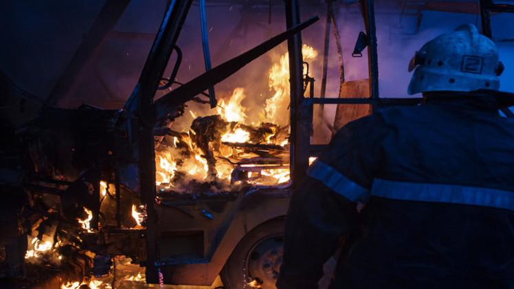 مصرع 5 في قصف محطة حافلات بدونيتسك (فيديو + صور)