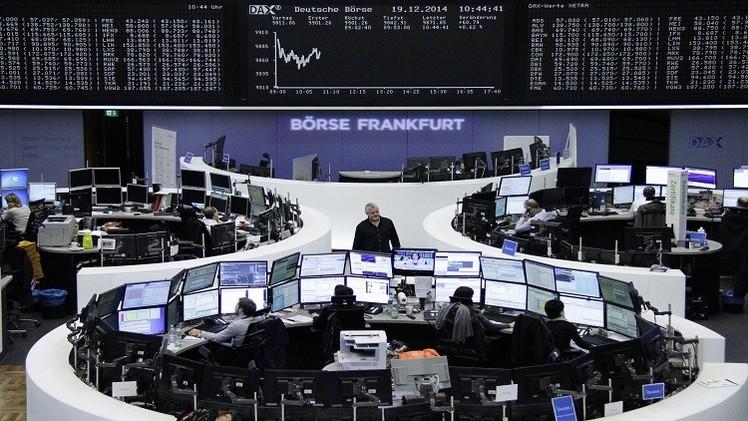مؤشرات أوروبا متباينة وأنظار المستثمرين على اليونان