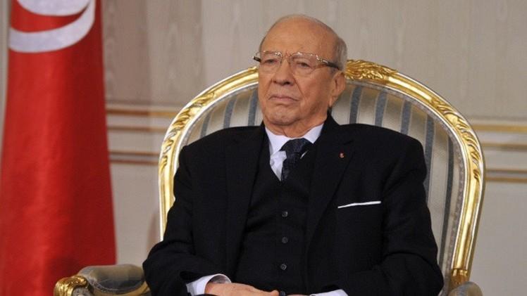 السبسي يرأس أول اجتماع لمجلس الأمن التونسي منذ انتخابه