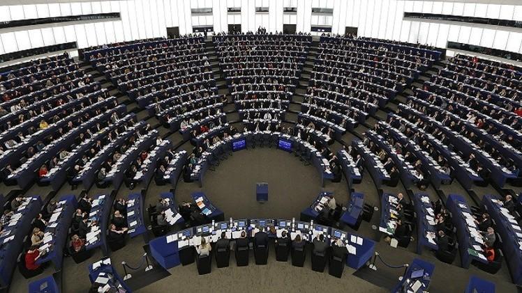 البرلمان الأوروبي يطالب السعودية بالإفراج فورا عن رائف بدوي