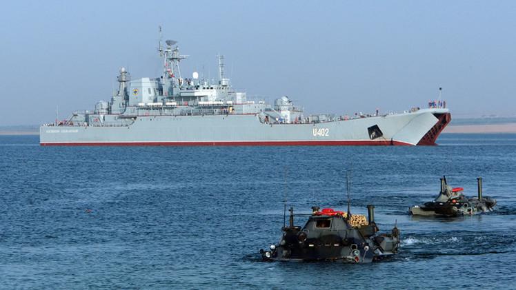 لجنة المنطقة العسكرية الجنوبية تختبر جاهزية قوات أسطول البحر الأسود