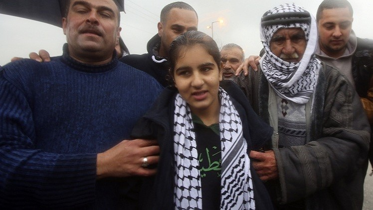 بالفيديو.. السلطات الإسرائيلية تفرج عن أصغر معتقلة فلسطينية