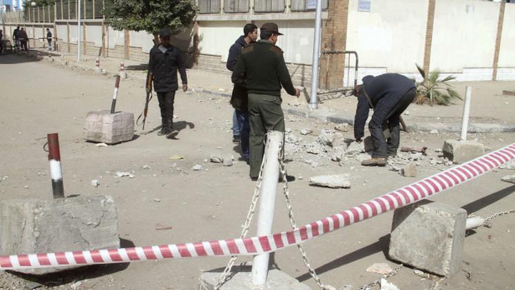 مقتل ضابط وإصابة 7 جنود بانفجار في القاهرة.. ومقتل 8 مسلحين بسيناء