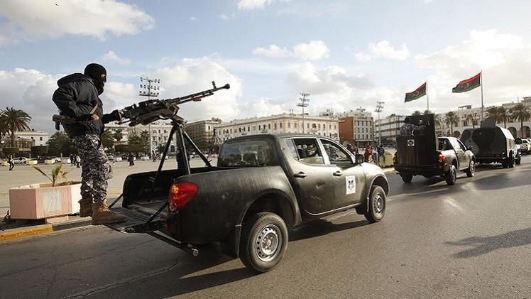 ليبيا.. مسلحون يسيطرون على مقار حكومية في سرت وتفجير خط نفطي في طبرق