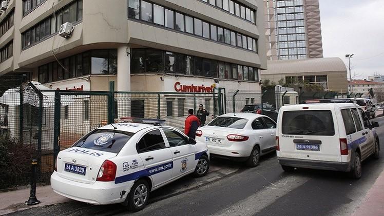 حبس 17 شرطيا تركيا في قضية التنصت