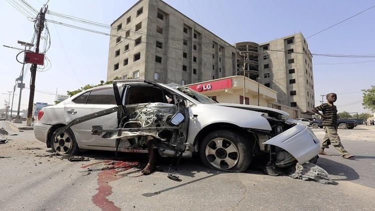 الصومال.. مقتل 4 موظفين بمطار مقديشو وحركة الشباب تتبنى الهجوم