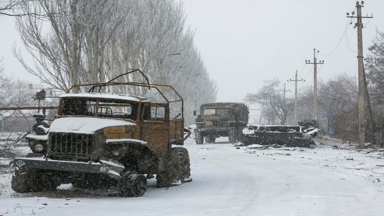 أوكرانيا .. بدء تطبيق بند اتفاقية مينسك بخصوص سحب الأسلحة الثقيلة