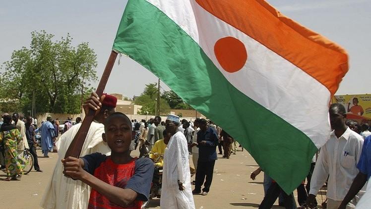 رئيس النيجر يقول إن بلاده ستكون مقبرة لـ