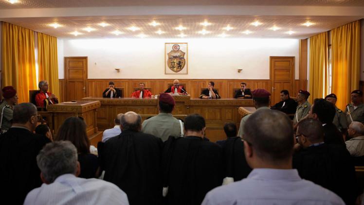القضاء التونسي يصدر أحكامه في حق المتهمين بمهاجمة السفارة الأمريكية