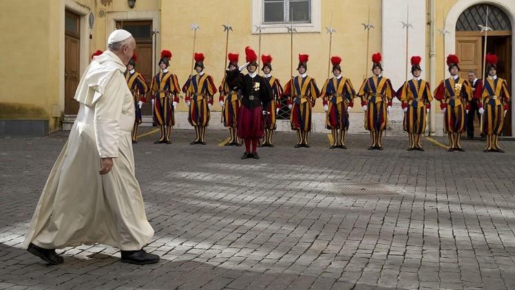 الحرس السويسري يستعد لمواجهة التهديدات الإرهابية
