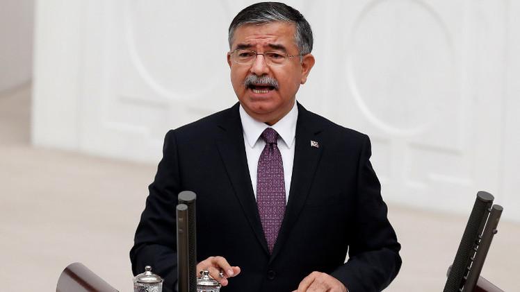 تركيا تؤكد ترحيلها أكثر من ألف من الساعين إلى
