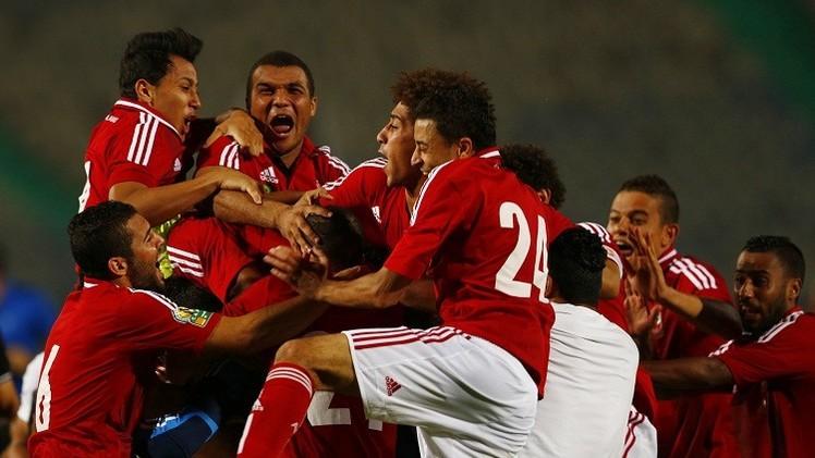 الأهلي المصري على عتبة 3 ألقاب متتالية في السوبر الإفريقي