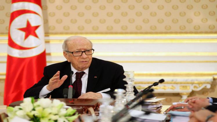 السبسي: تونس أكثر البلدان عرضة لتداعيات الأزمة الليبية