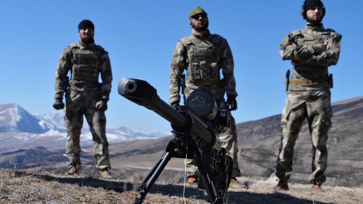تدريبات عسكرية بمشاركة أفراد الوحدة الخاصة في الشيشان