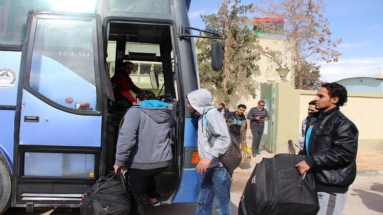 إجلاء مواطنين مصريين من ليبيا عبر تونس