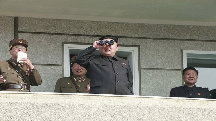 تدريبات عسكرية في كوريا الشمالية يشرف عليها الرئيس