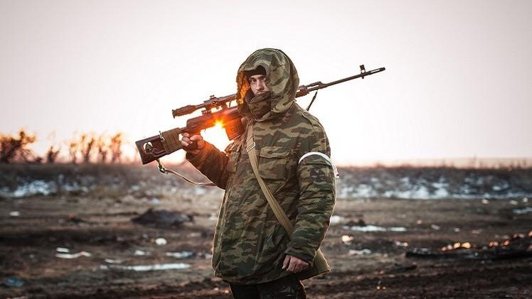 كييف تنوي البدء بسحب المعدات الثقيلة من خطوط التماس