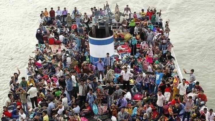 بنغلادش.. ارتفاع حصيلة القتلى في غرق عبارة إلى 65