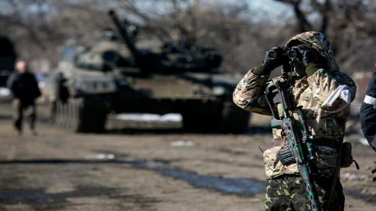 القوات الأوكرانية ترفض سحب الأسلحة الثقيلة قبل الوقف التام لإطلاق النار