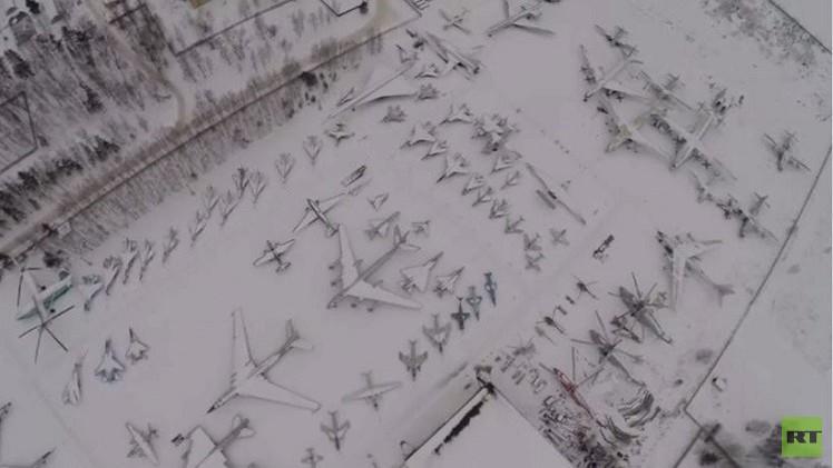 بالفيديو.. طائرات عسكرية متنوعة