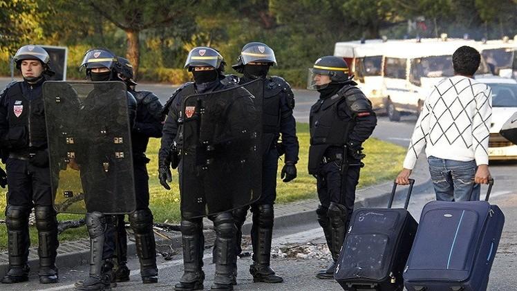 فرنسا تسحب 6 جوازات سفر من مواطنيها خططوا للسفر إلى سوريا