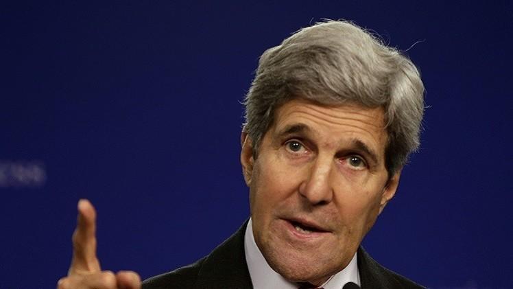 كيري يتهم إيران بالضلوع في إسقاط الحكومة اليمنية