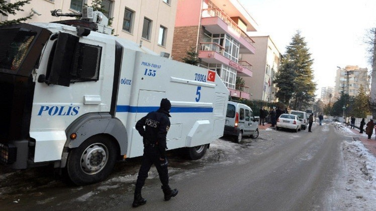 احتجاز العشرات من الأمن التركي بتهم التنصت