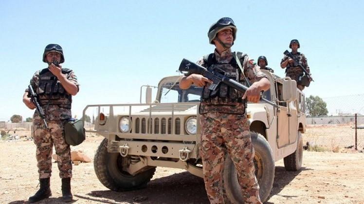 الجيش الأردني يدمر مركبة حاولت عبور الحدود من سوريا