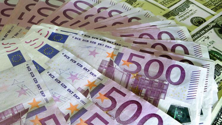 الروبل عند أعلى مستوى منذ بداية العام مقابل الدولار واليورو