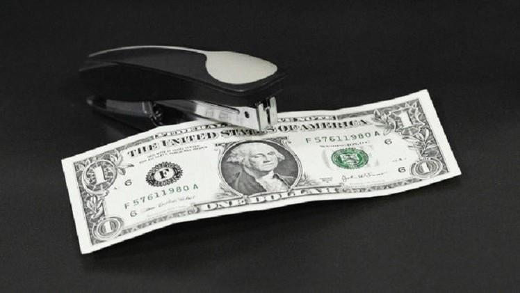 الروبل يصعد أمام الدولار واليورو مع ارتفاع النفط