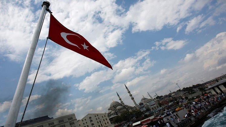 الاستخبارات الأمريكية: تركيا تتساهل مع الأجانب الساعين إلى