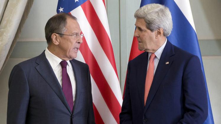لافروف وكيري يبحثان الملفين الأوكراني والإيراني الاثنين القادم في جنيف