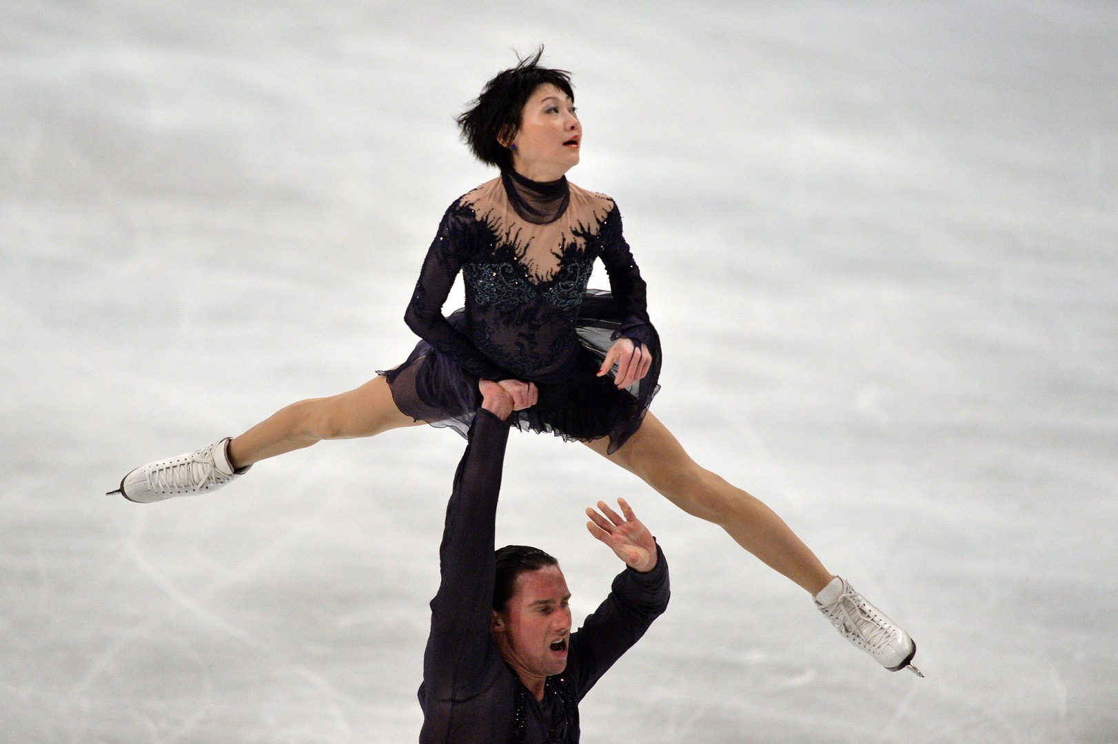بالصور.. روسيا تهيمن على بطولة أوروبا للتزحلق على الجليد