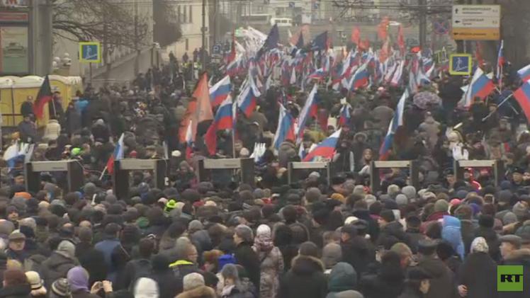 مسيرة حداد على مقتل السياسي الروسي نيمتسوف في موسكو