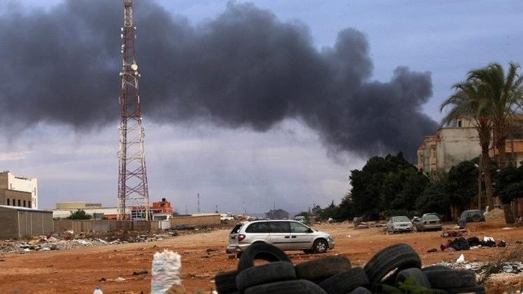 قتيلان و 20 جريحا جراء قصف عشوائي في بنغازي