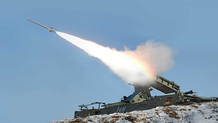 كوريا الشمالية تطلق الصواريخ متوعدة مع بدء المناورات في الجنوب